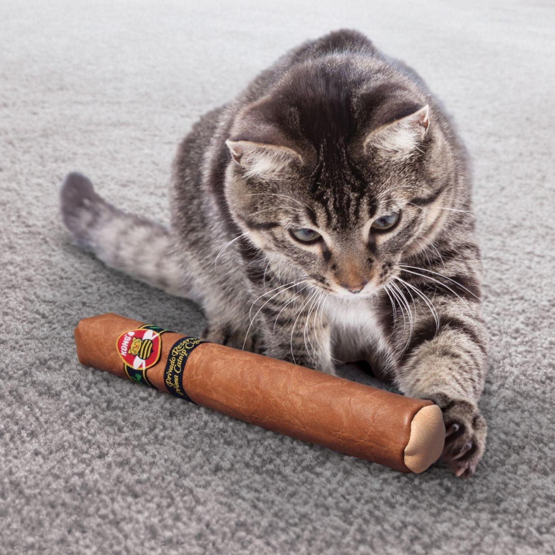 [喵皇帝] 美國KONG Better Buzz Cigar / 皮雪茄互動玩具(CA453) 貓草玩具 貓玩具 貓薄荷
